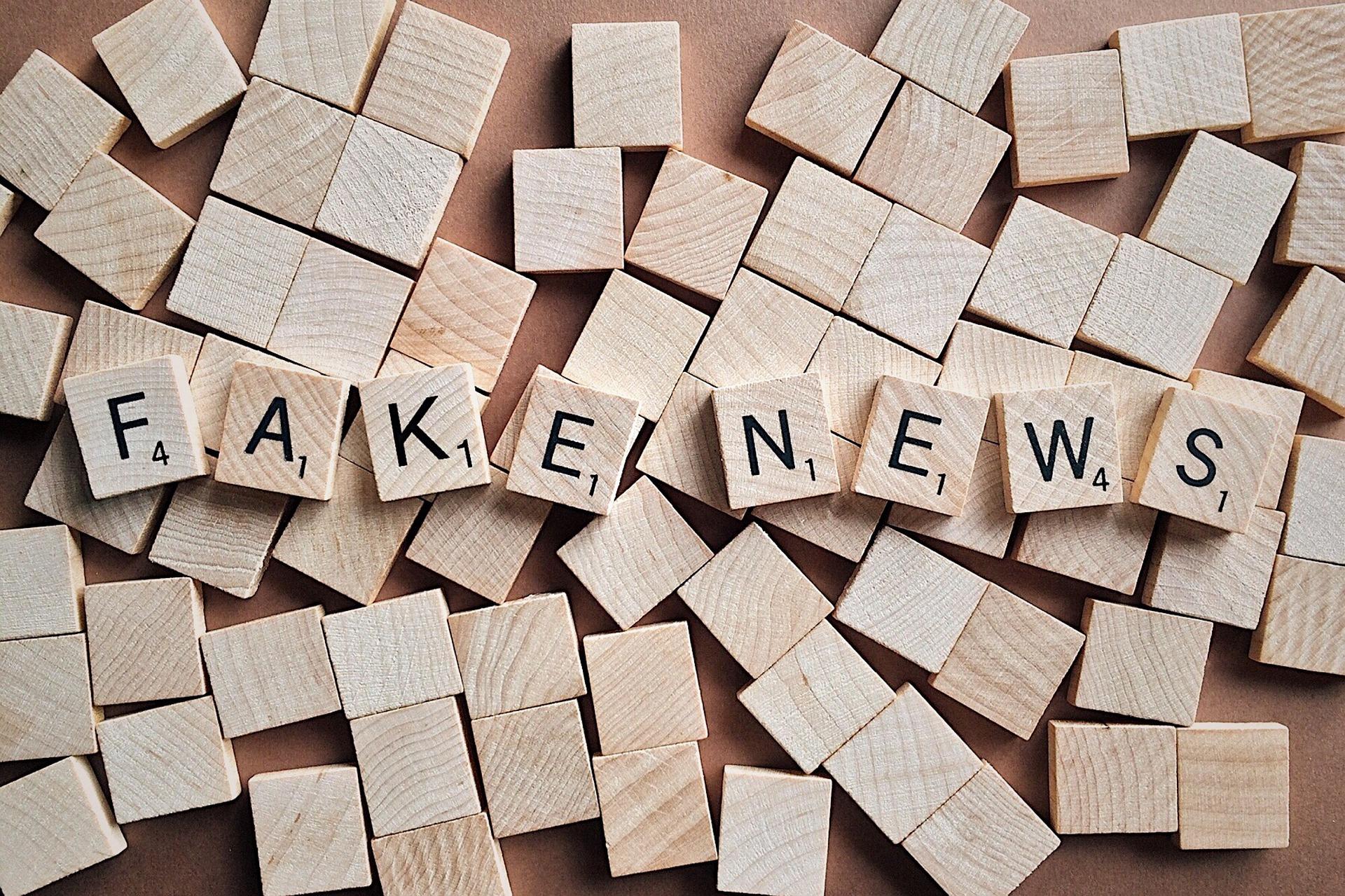 """""""Políticos têm papel central na disseminação das fake news"""", explica pesquisadora"""